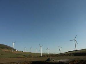 نیروگاه بادی منجیل 4 300x225 - نیروگاه-بادی-منجیل-4