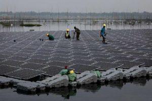 bd9a2525e09b48f7a7a97bc719216fe0 1 300x199 - floating solar power plant