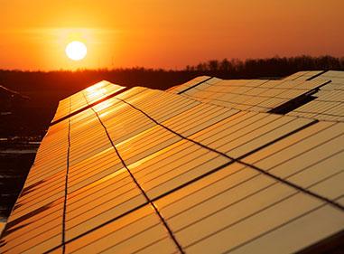انرژی-خورشیدی،-به-شکل-گرما-و-نور