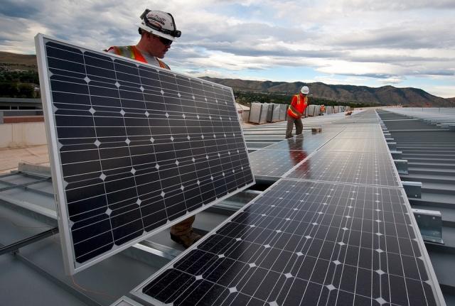 نیروگاه برق خورشیدی در ایران رو به رشد است-araniroo